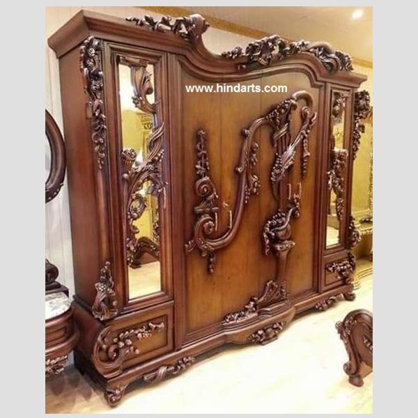Wooden Carved Almira (Code 1031)